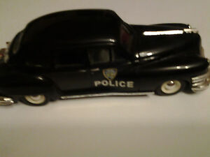 SPLENDIDO Modellino scala 1/43 della CHRYSLER WINDSOR 1947 POLIZIA DI NEW YORK