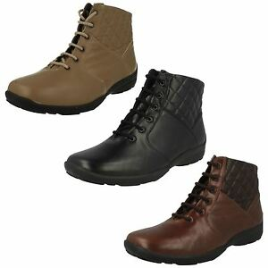 LADIES DB EASY B FLAT LACE UP LEATHER