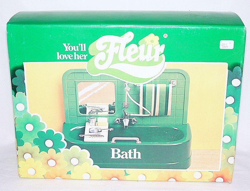 BT Toys FLEUR LUXURY BUILT-IN BATH Action Figure DOLL SET Also for Sindy MISB`76
