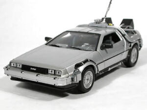 Vehicule-Metal-DELOREAN-1-Retour-vers-le-Futur-I-au-1-24