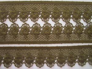 1-Meter-Spitze-oliv-gruen-5-4cm-breit-Borte-Eroeffnungspreis