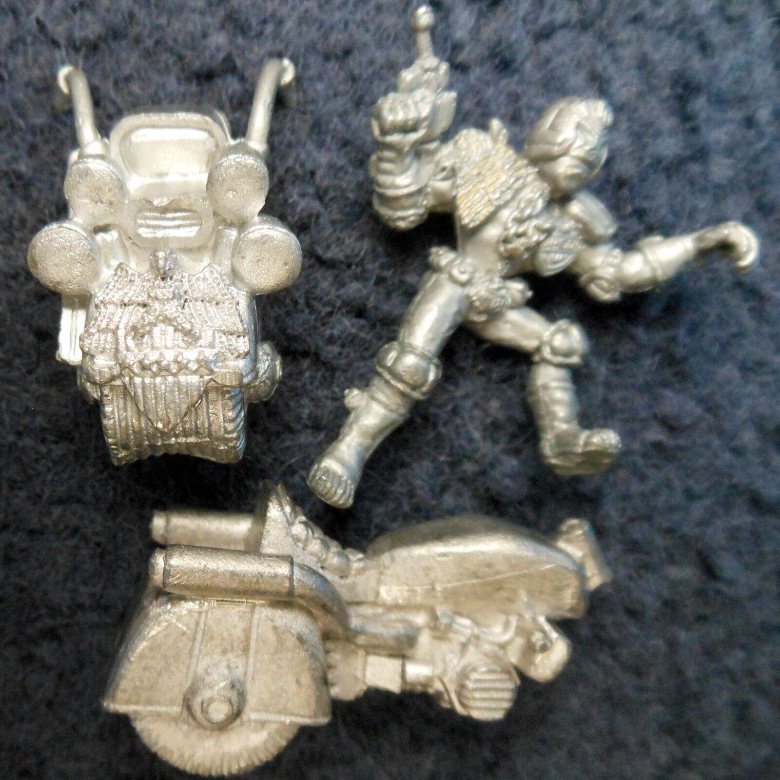 1985 Judge Dredd on Lawmaster JD1 V2 (21) Bike Games Workshop Citadel 2000 AD GW