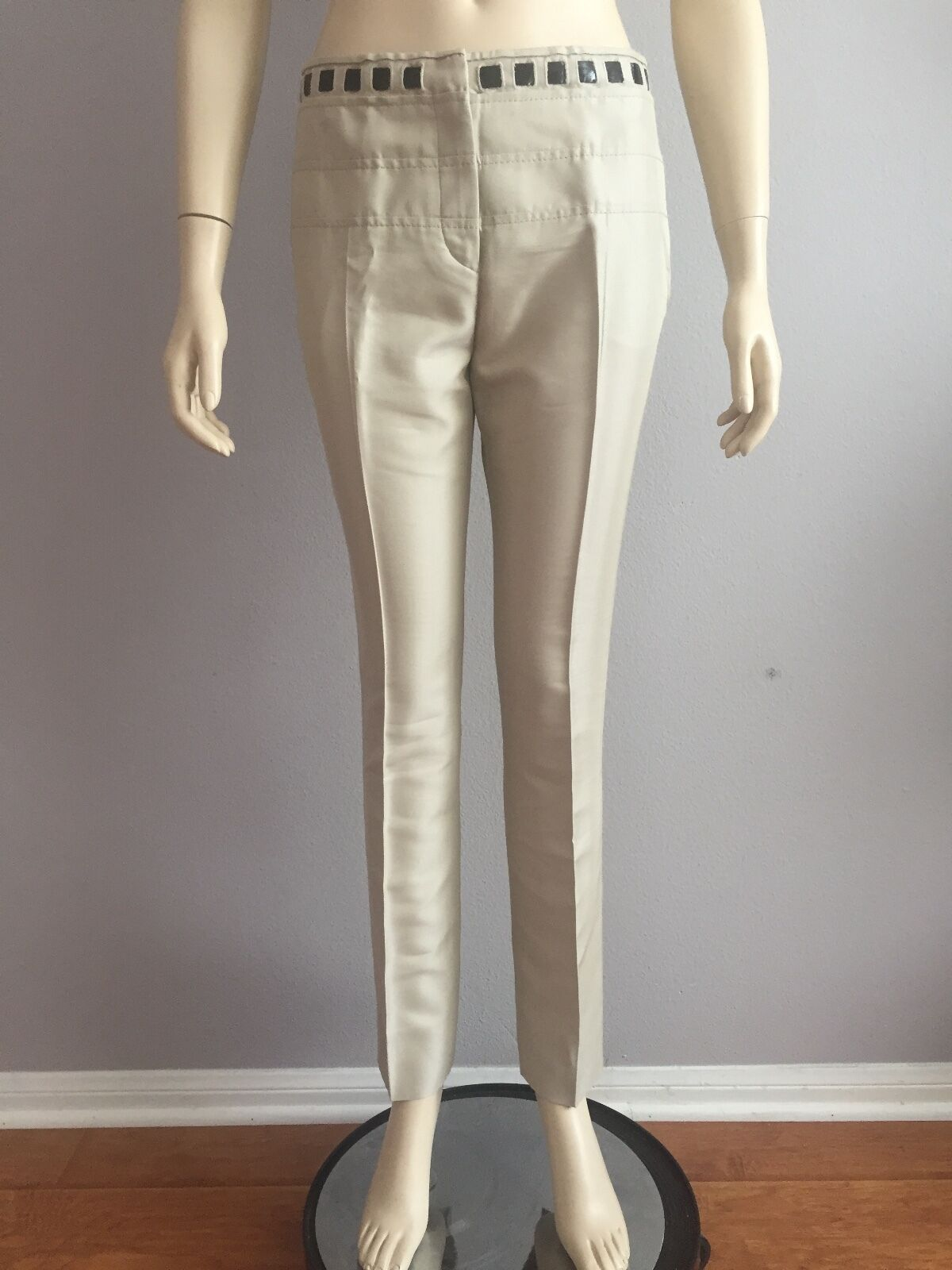 NWT AUTHENTIC Valentino Pants Made in  Size  6