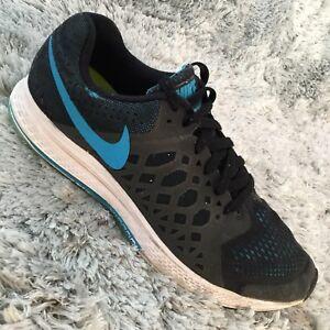 b5be539e117b4 EUC NIKE ZOOM PEGASUS 31 Men s Sz 9.5 Black Blue Running Shoes ...