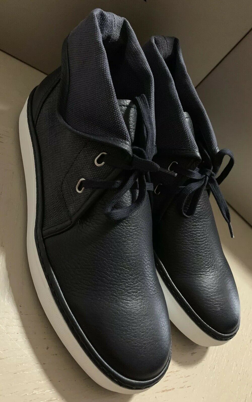 New  Giorgio Armani Mens Leather Sneakers shoes Navy ( Night) 9 US X2M248