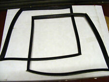 range rover classic rear quarter window rubber seals BRAND NEW PAIR IN STOCK