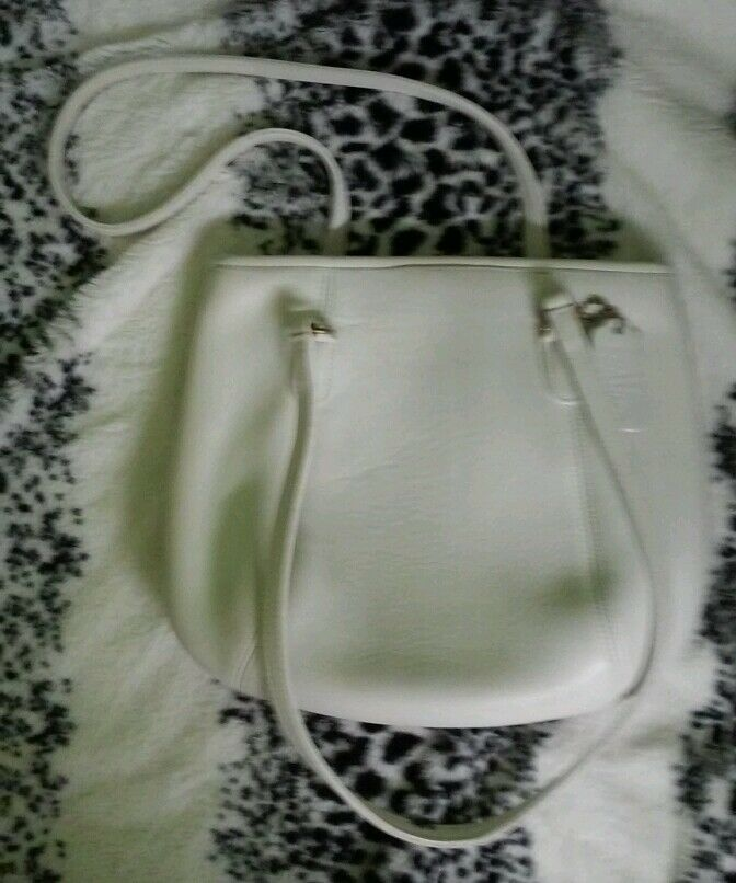 Coach purse, white leather made in the USA, great… - image 3