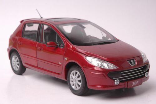 Peugeot 307 Hatchback car model in scale 1:18 red