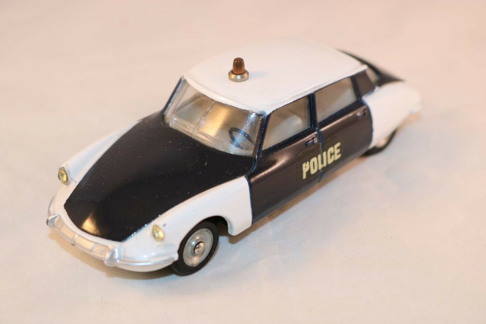 Dinky Toys 501 Citroen DS 19 Police a superb model a real beauty all original
