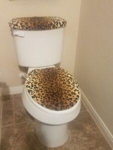 Leopard-Prints-Fleece-Fabric-Toilet-Seat-Cover-Set-Bathroom-Accessories-2PC