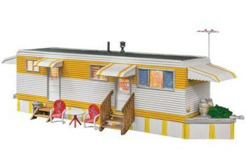 Woodland Scenics BR5062 HO Scale Sunny Days Trailer Built-/&-Ready Structure