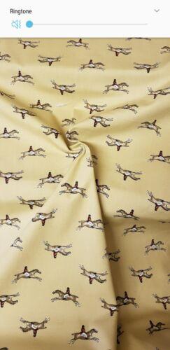 "1m gold horse print Jasmine print 100/% Cotton Dress Craft Fabric 44/""//45"