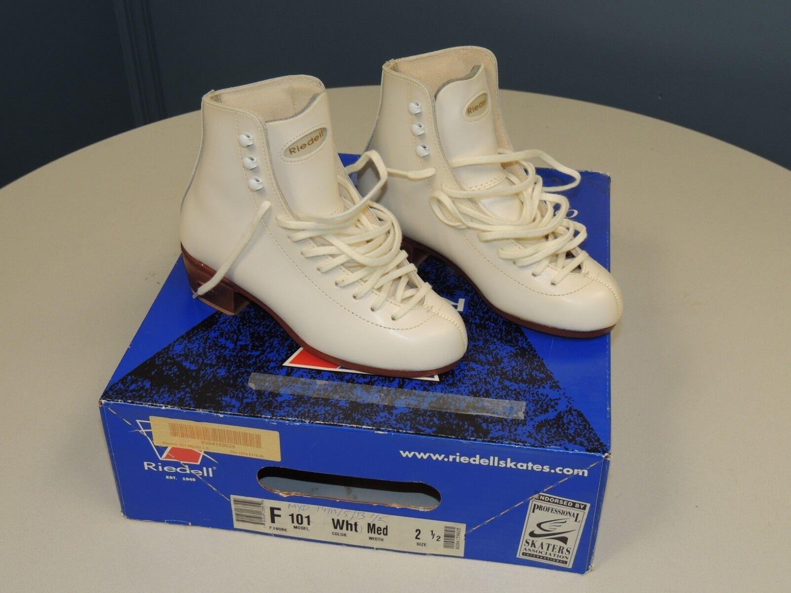RIEDELL MODEL 101 WHITE SKATING BOOTS SIZE 2 1 2 MEDIUM WIDTH NIB