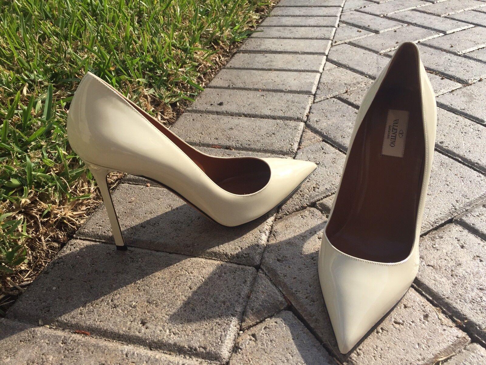 Valentino Bone Pumps Size: 40.5