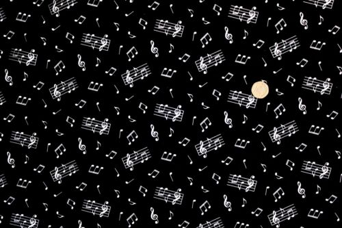 Music Notes on Black fabric fq 50 x 56 cm Nutex 89720-102 100/% Cotton