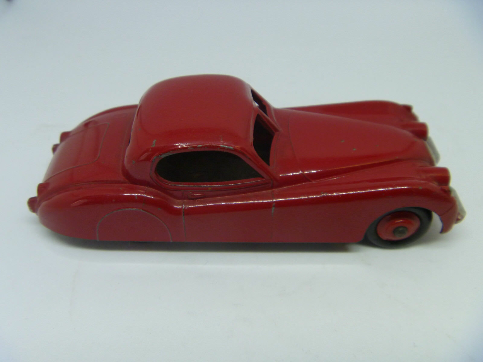 DINKY TOYS 157 JAGUAR XK120 COUPE RED NEAR MINT ORIGINAL ORIGINAL ORIGINAL 2b8762