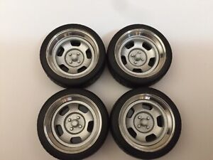 1-18-scale-modified-REAL-ALUMINIUM-15-OLD-RETRO-STYLE-WOLFRACE-WHEELS