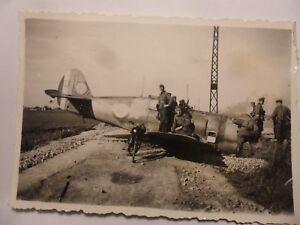 foto-luftwaffe-abgeschossen-Franzose-Flugzeug-jagdflieger