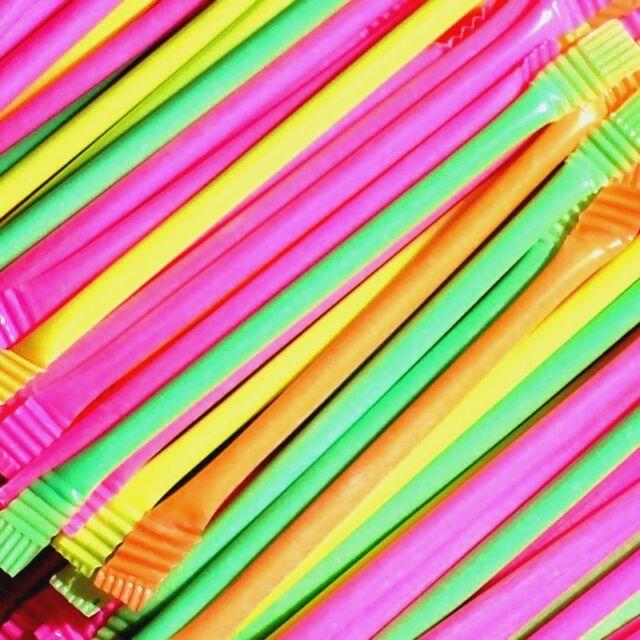50 X RETRO SWEET SWEETS RAINBOW SUGAR DUST SHERBET STRAWS PARTY BAG FILLERS