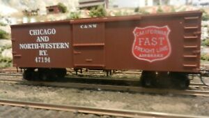 Roundhouse-MDC-HO-Old-Time-36-039-Boxcar-Chicago-North-Western-Upgraded-Exc