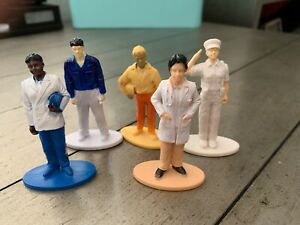 lot-of-5-Plastic-occupation-figures-Marked-C-P-Inc-very-Detailed