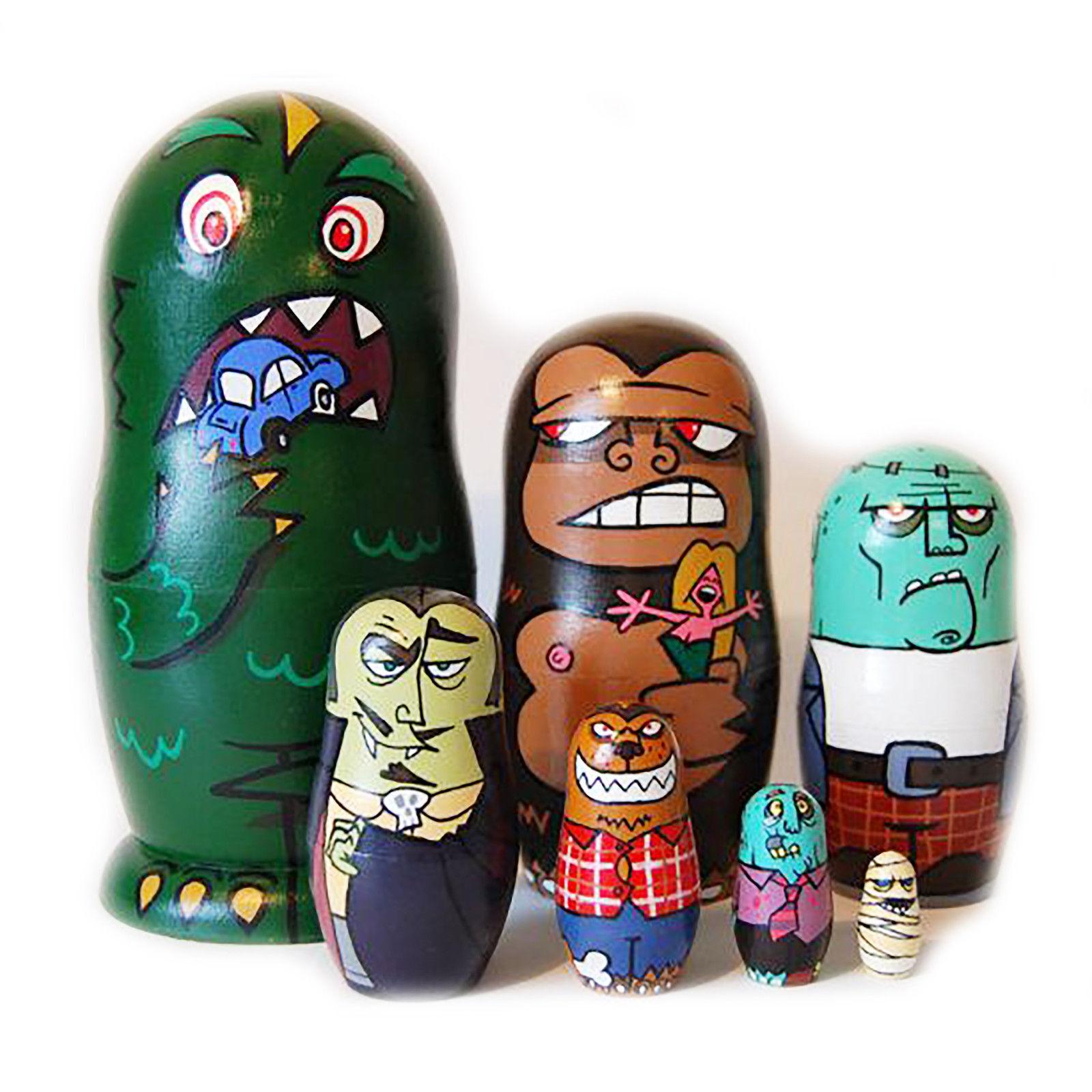 Nesting Dolls monstruos de películas terror. firmado Pintado a mano matrioskas Moderno