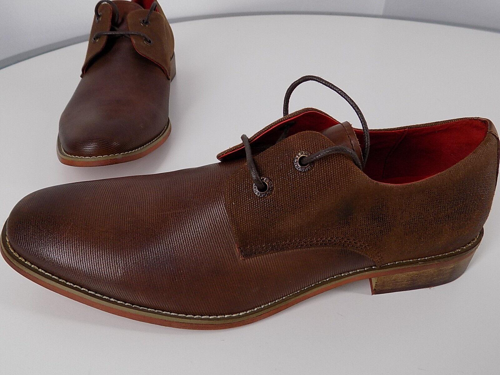 Los Kickers 9b o C tienen zapatos de cuero, muy bien, tal vez sólo los prueben.
