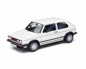 Volkswagen-VW-Golf-1-GTI-in-1-18-Welly-weiss-191099302-084-Vitrinenmodell