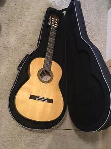 Yamaha CG171SF Nylon String Flamenco Guitar & Polyfoam Road Runner Hard Case