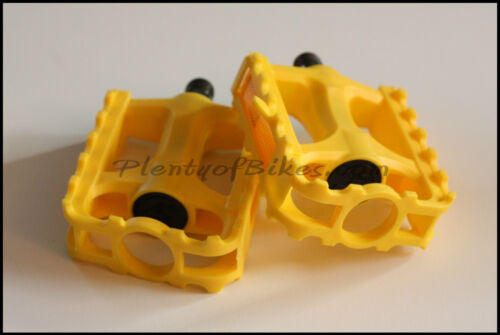 Yellow 9//16 Bike Bicycle Single Speed Plastic Colored Color Pedals Set 365124