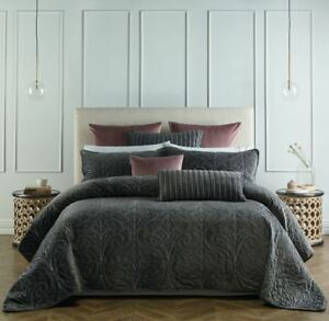 Genevieve-Coverlet-Bianca-Bedcover-Velvet-fabric-Beautifully-embroidered