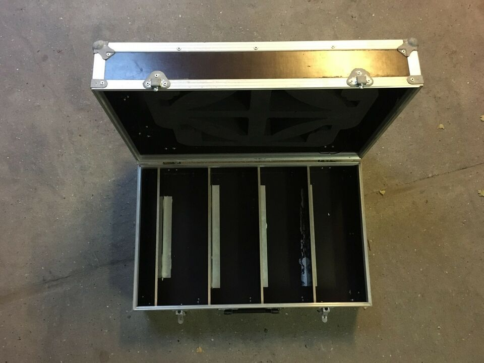 Flight Case, Ukendt