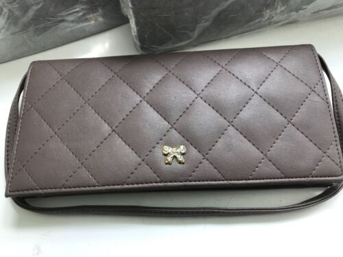 CAPIZ WOMENS DESIGNER TAUPE QUILTED FAUX LEATHER MULTI SLEEVE CLUTCH WOW HANDBAG