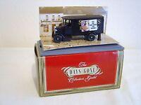 Dg043037, Collectors Guild, 1931 Morris Van, Put Out Your Paper For Salvage