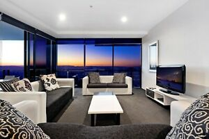 GOLD-COAST-ACCOMMODATION-LUXURY-1-BED-STUDY-CIRCLE-LEVEL-52-7nts-1000