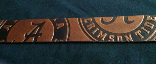 University of Alabama Men/'s Brown Leather Belt with Embedded Circle Logo