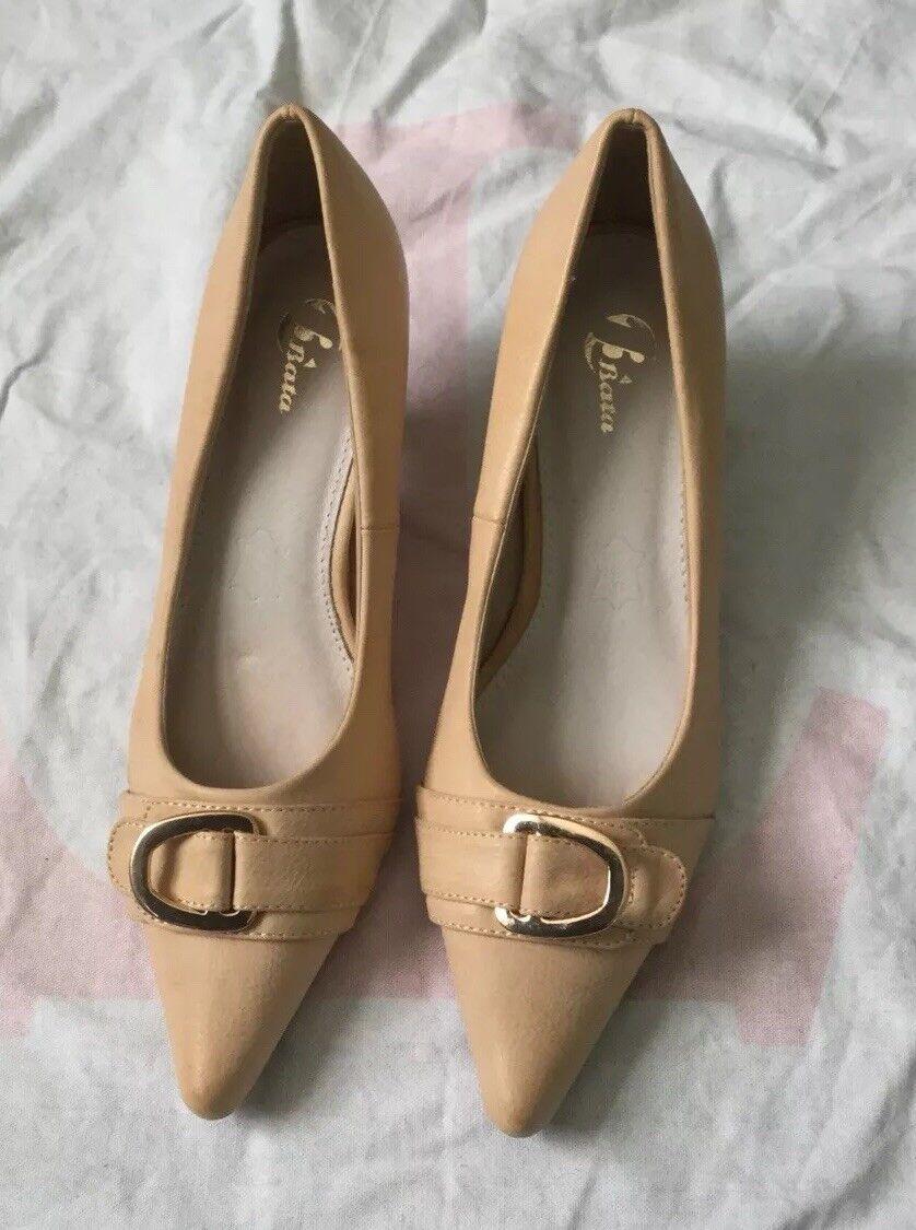 Ladies Girls Cream Beige Shoes Heels Pumps Size 4 / 36
