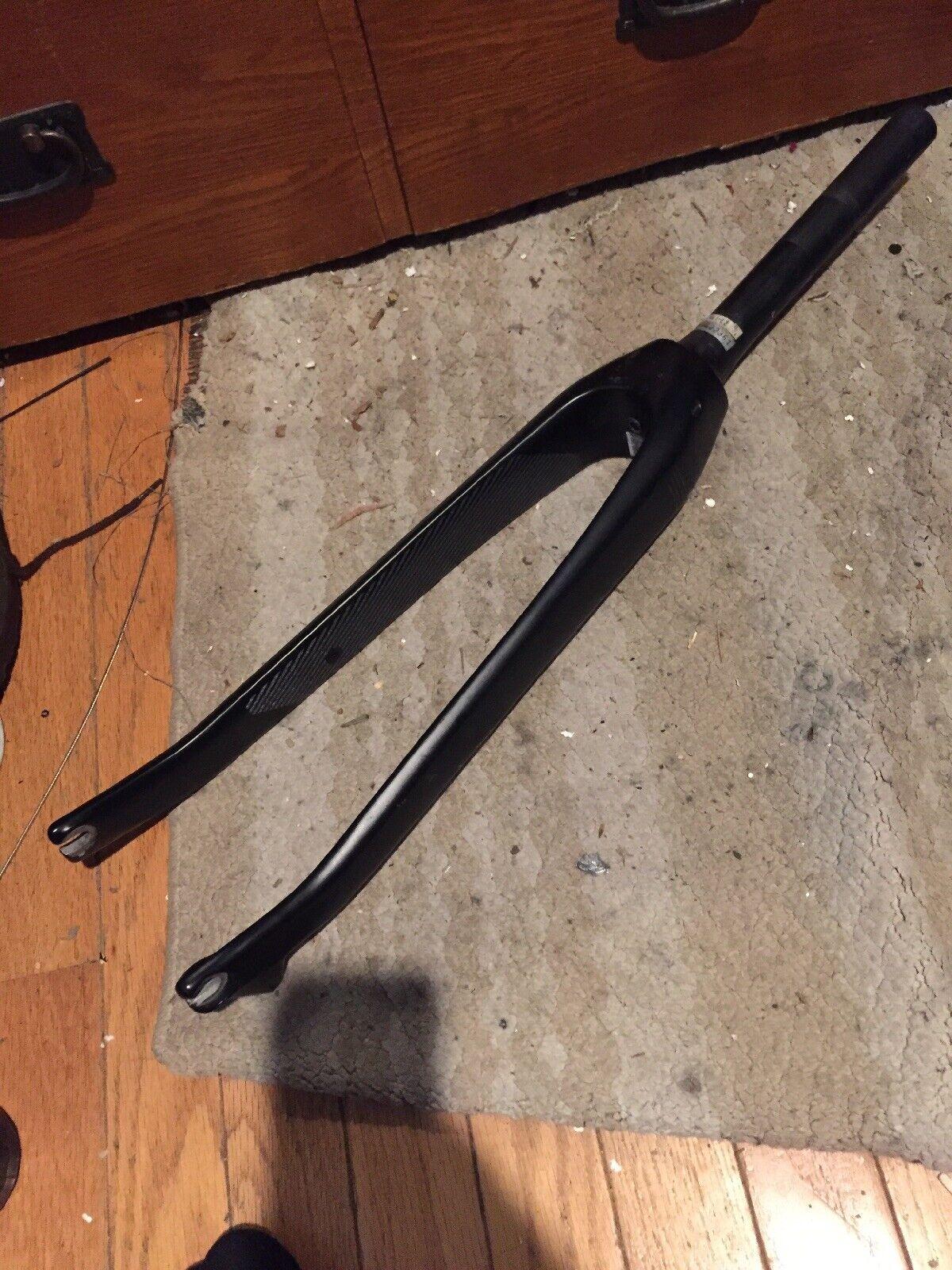 Carbon Fiber Disc Brake 700c Road Fork Tapered