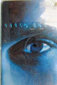 Garth-Brooks-2-Cassettes-Fresh-Horses-In-Pieces