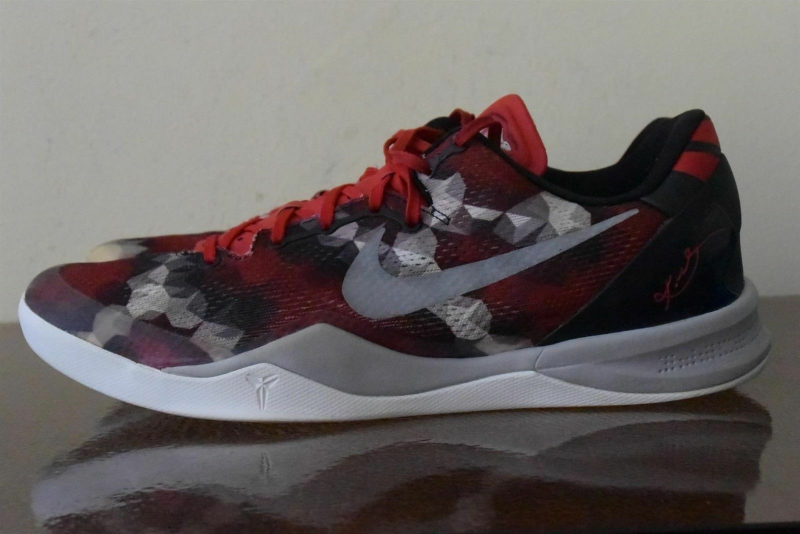 Nike Kobe 8 Milk Snake University Red Sail-Noble Red-Pearl Grey 555035-601 Sz 11