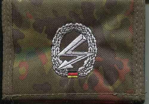 Barettabzeichen Funker auf Flecktarn Bundeswehr:Geldbörse