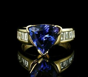 2-25Ct-Trillion-Cut-Tanzanite-Wedding-Anniversary-Ring-in-14K-Yellow-Gold-Finish