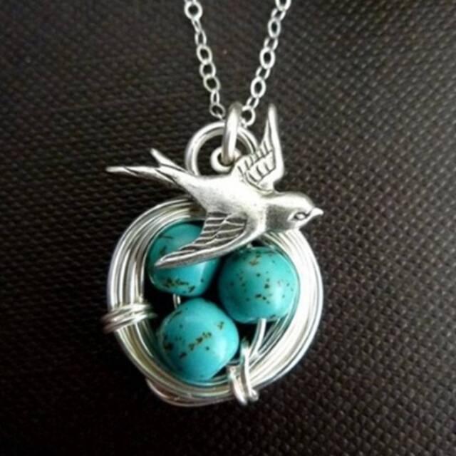 Antique Wealth Bird Natural Gemstone Turquoise Pendant Necklace