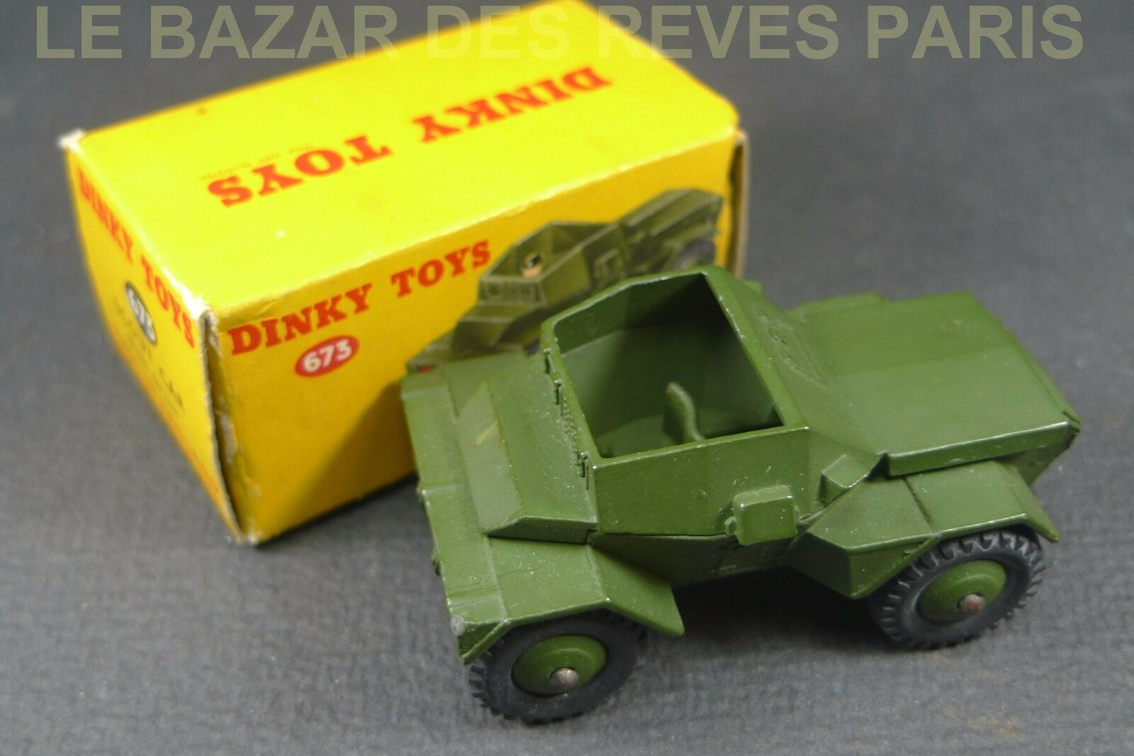 DINKY TOYS GB. SCOUT CAR. + boite   REF. 673.