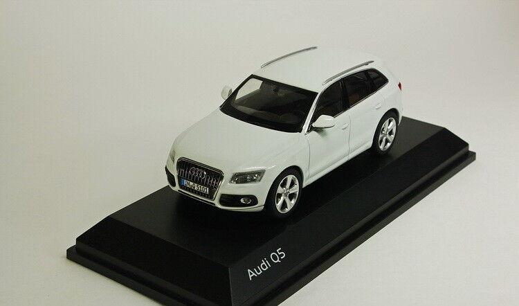 Audi Q5 2013 (vit -metallisk), modellllerlbilar 1  43