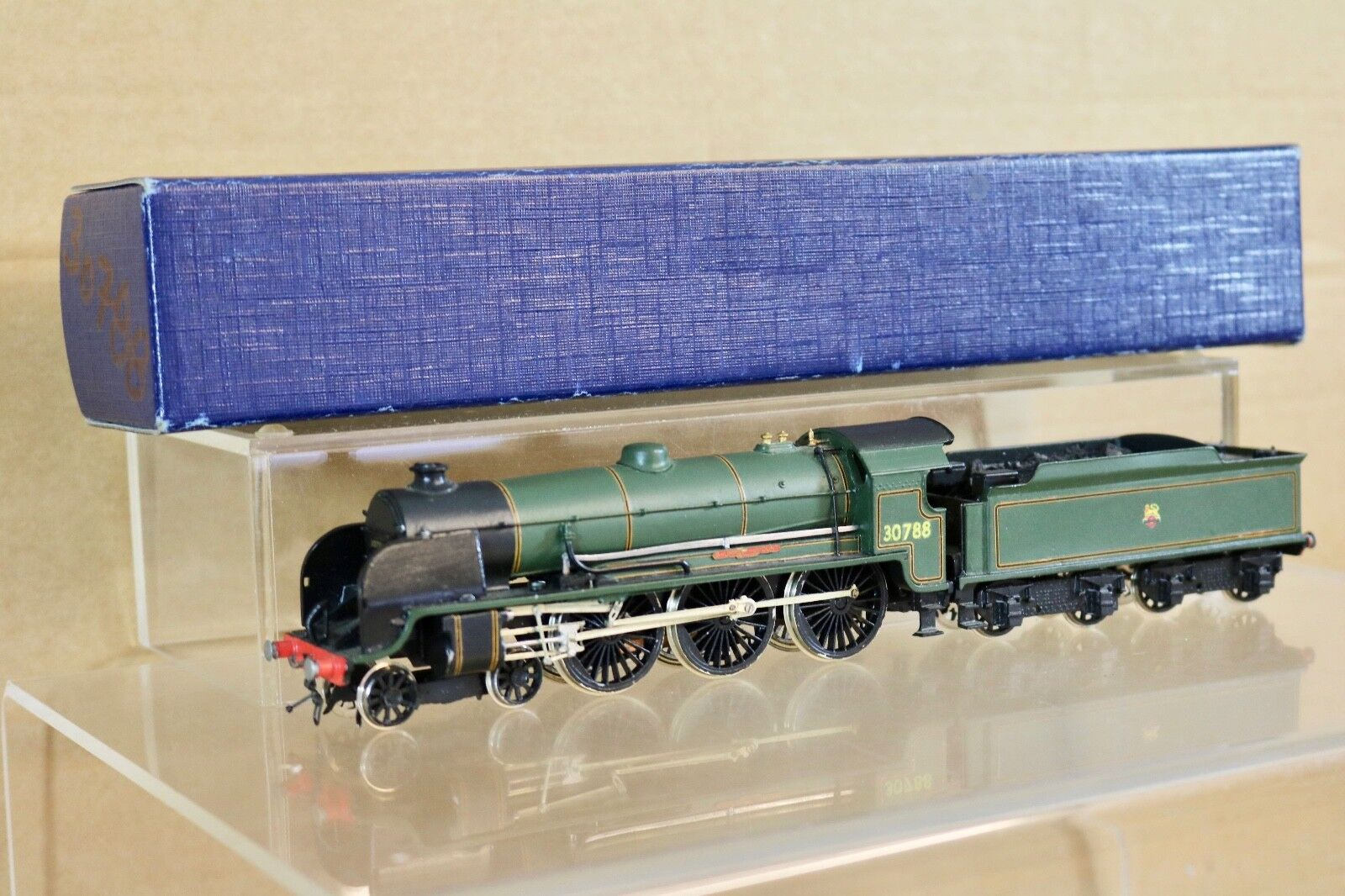 Wills KIT COSTRUITO BR 4-6-0 RE ARTÙ CLASSE LOCO 30788 SIR urre of the SUPPORTO