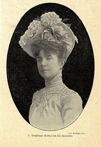 Blaßblauer Basthut Mit Lila Hortensien * Bilddokument 1900