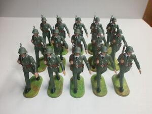 Konvolut-15-alte-Elastolin-Kunststoff-Soldaten-Marschzug-Schweizer-zu-7-5cm