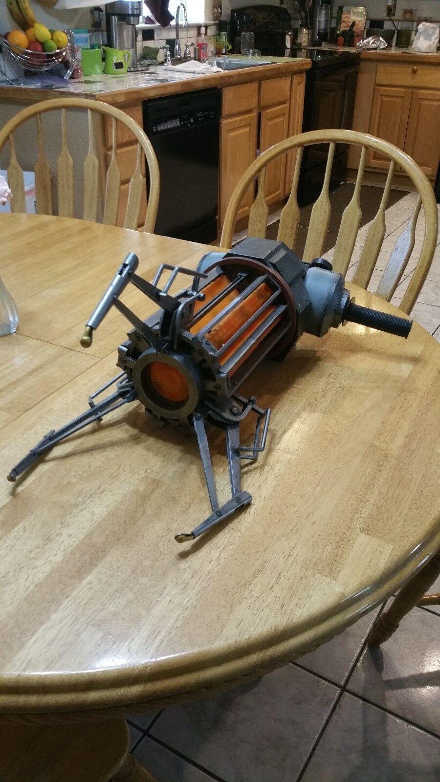 NECA Half Life Zero Point Energy Field Manipulator (Gravity Gun)