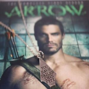 COLLANA-ARROW-OLIVER-QUEEN-YOU-HAVE-FAILED-THIS-CITY-NECKLACE-SERIE-TV-CIONDOLO